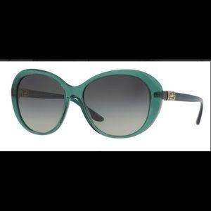 Versace sunglasses 😎